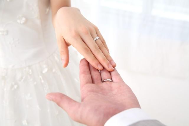 一人っ子同士の結婚でお墓の承継はどうなる?