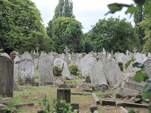 お墓の耐震化の必要性と最新のゲル系吸収剤の紹介