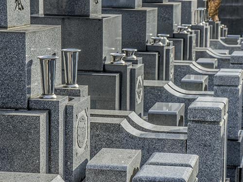 自由墓地と規格墓地のちがい