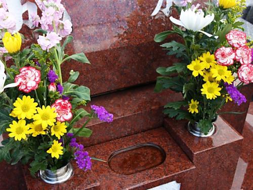 お墓の色についてのアンケート結果。一番人気はグレー!